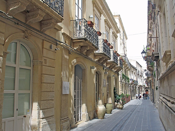 A side street in Ortygia, the oldest part of Siracusa, Sicily. (Photo by Susan McKee)