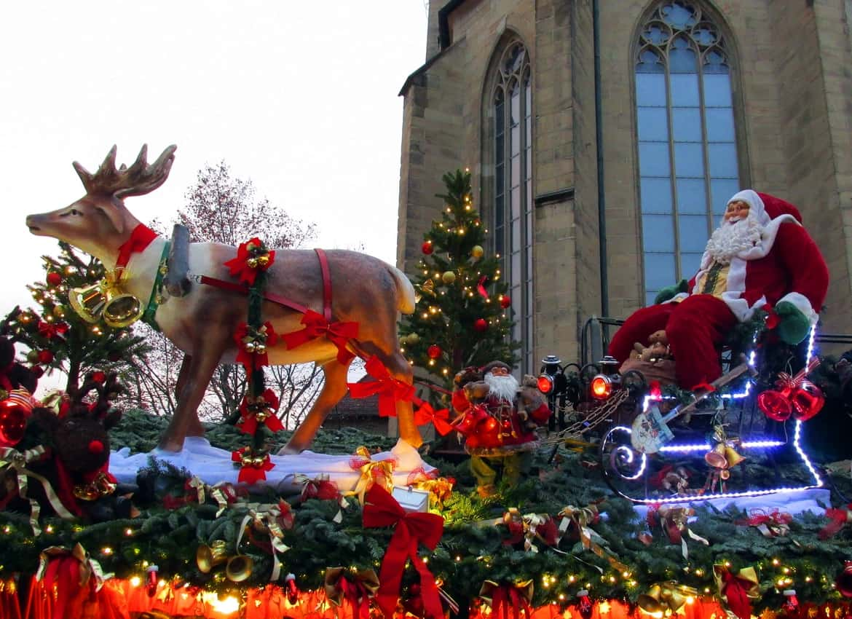 Santa Claus arrives in Stuttgart