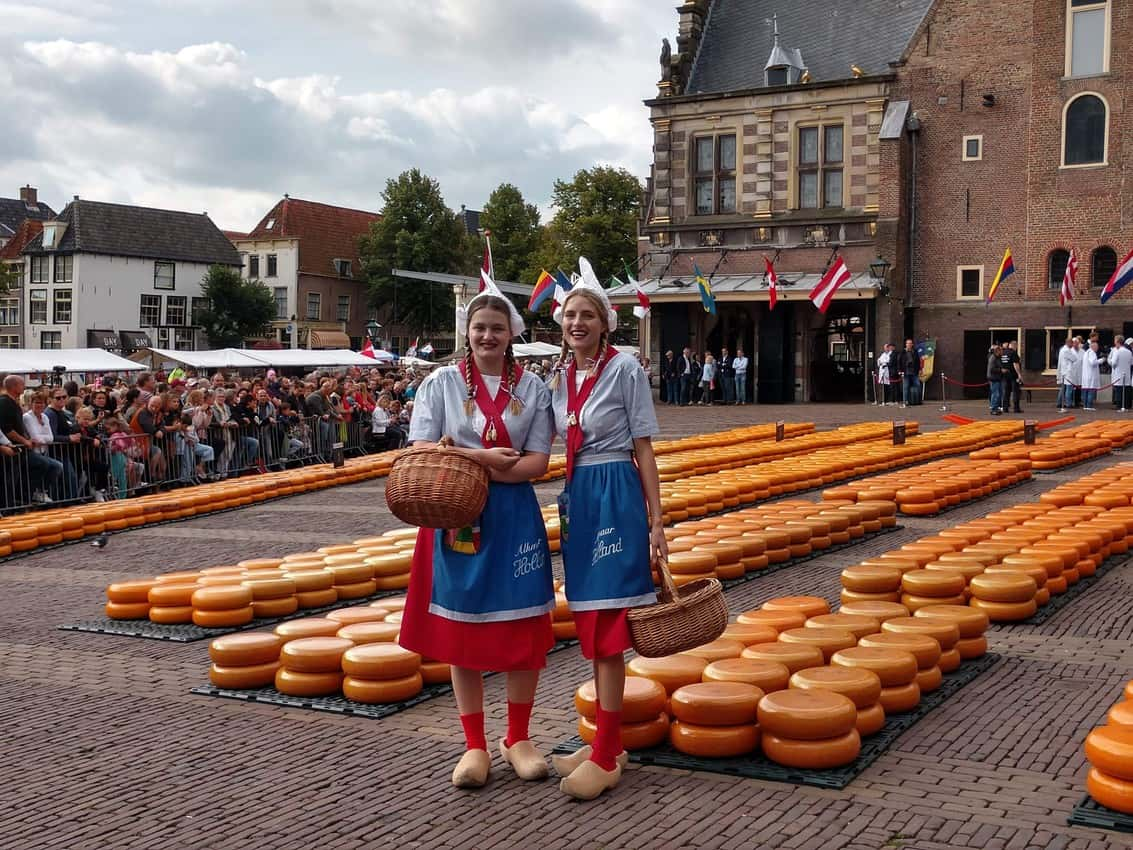 Exploring Holland's Cheese Markets 1