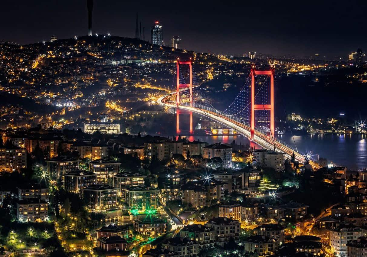 Bosphorus bridge in Istanbul. Paul Shoul photos.