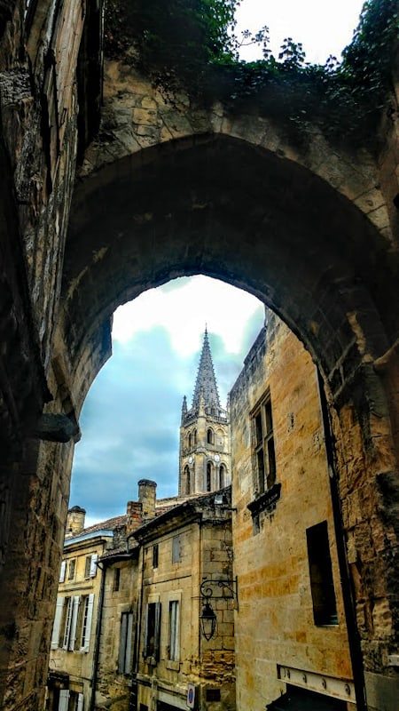 Enchanting Sainte-Emilion in Bordeaux entrances with history and delights with endless wine tastings.