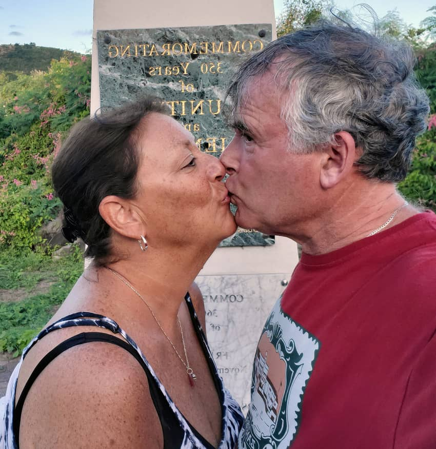 A two country kiss in St. Martin where the Netherlands and France separate