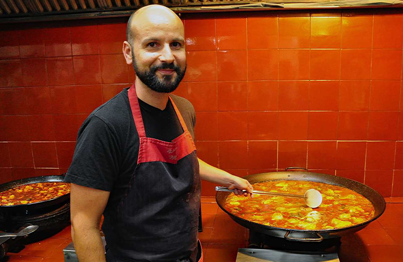 Chef Vicente Marco gave a paella-making demonstration during a shore excursion in Valencia.