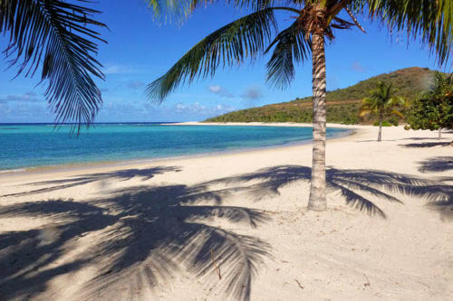 No cruise ship crowds on beaches we visited (Oil Nut Bay)