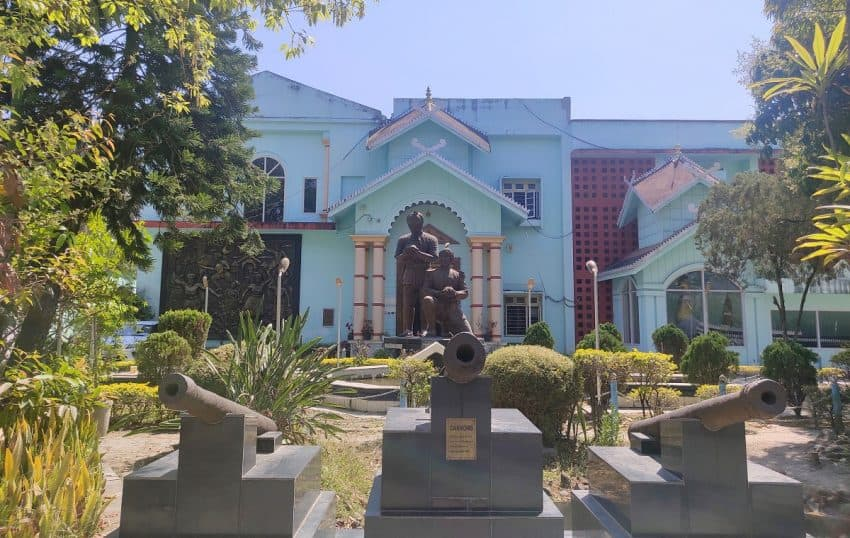 Manipur State Museum. The state museum is a must-visit place for all, especially those visiting the state for the first time.
