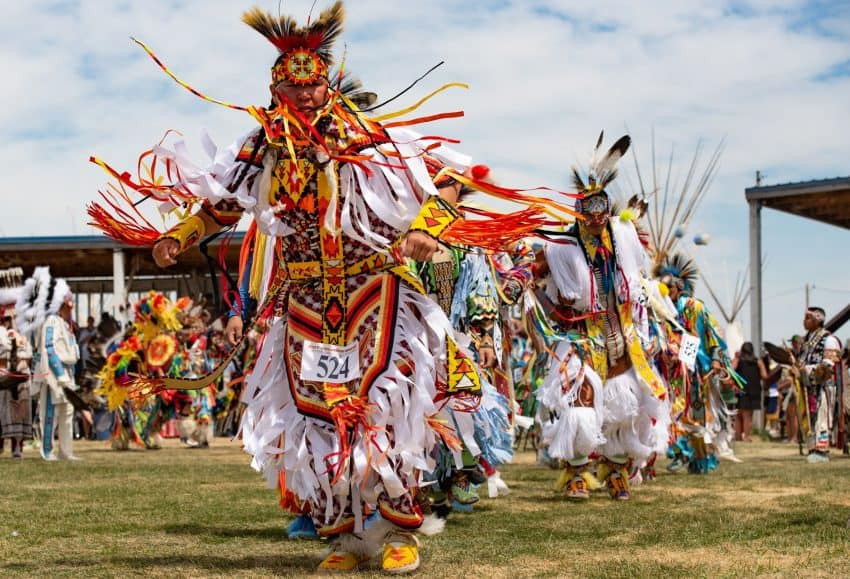 The powwow always starts with the Grand Entry, where hundreds of Native Americans dance into the arbor one by one to the beat of a drum/singing group.