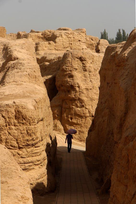 The maze-like paths of Jiaohe ruins.