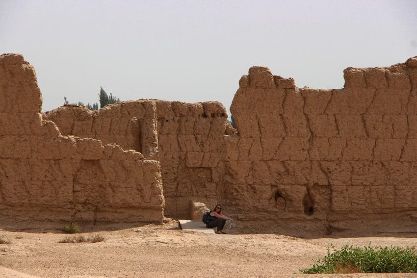 Jiaohe's ruins buildings blend in one with the desert.