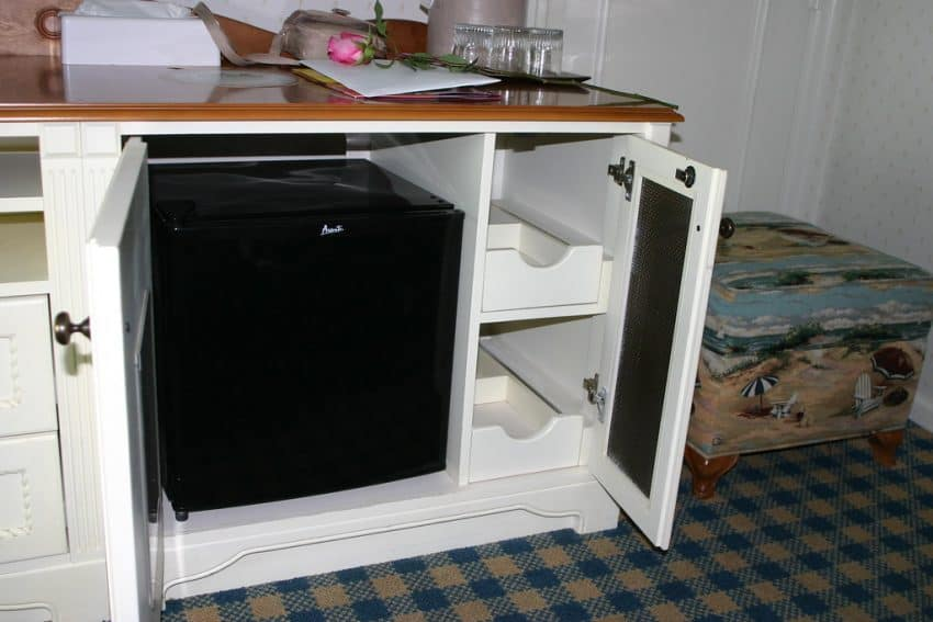 This demonstrates how fridges are being used inside van builds