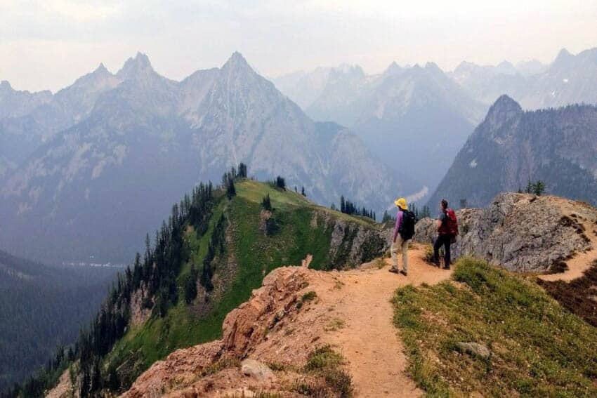 USA North Cascades people looking at the landscape of the North Cascades