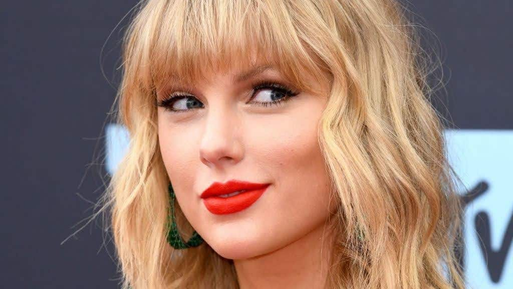 Pop singer sensation Taylor Swift fell in love with Grasmere like Wordsworth did.