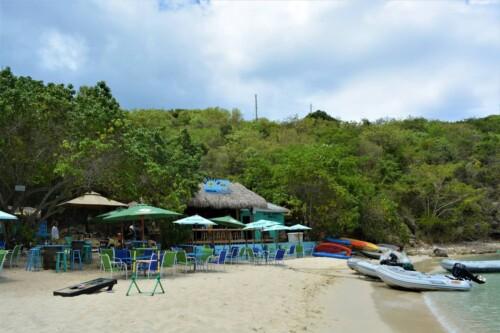 Dinghys Beach Bar Grill Honeymoon Beach
