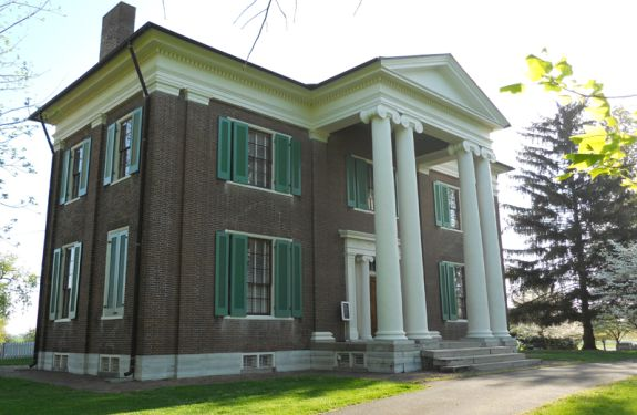 Built in 1847 by Joseph Bryan, a grand-nephew of Daniel Boone, Waveland is an outstanding example of the Greek Revival house in Kentucky. Tours focus on the Bryan family and life on a 19th-century Kentucky plantation.