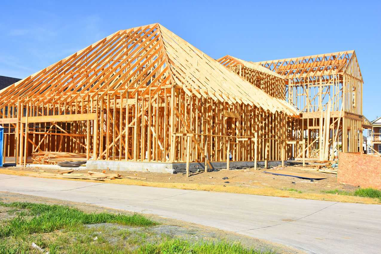 homes being built in Frisco