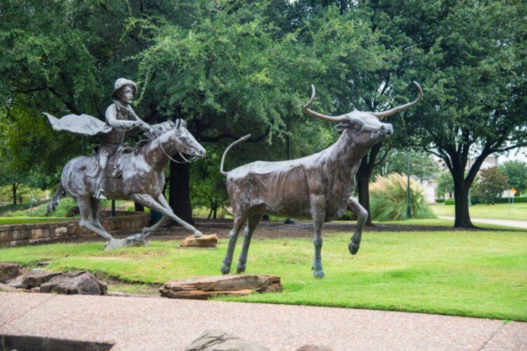 statue in Frisco TX
