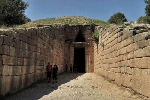 Dromos tomb mycenae