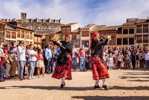 Penafiel harvest festival dancers