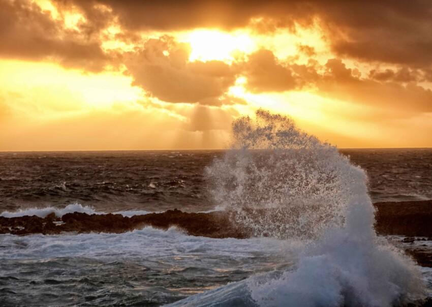 An Aruba sunrise on the wild side of the island. Tab Hauser photos.