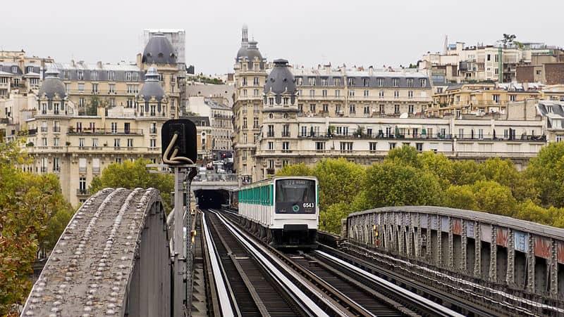 Bir Hakeim Paris Metro elevated Subway