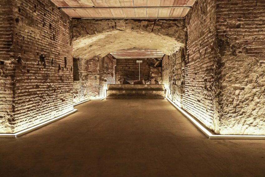 The backstage of the original theater from Ancient Rome at Naples Underground, below the city. Marina Pascucci photos
