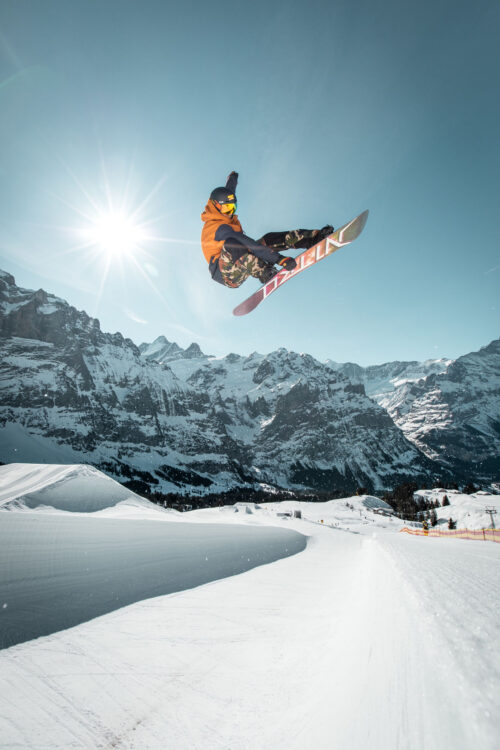 grindelwald first snowboard sonne winter snowfun. V-Cableway Project.