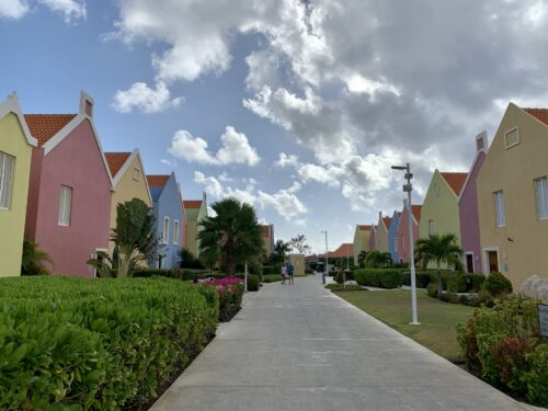Charleston-style townhomes: the Marriot Dive resort - just a mile from the airport on Bonaire.