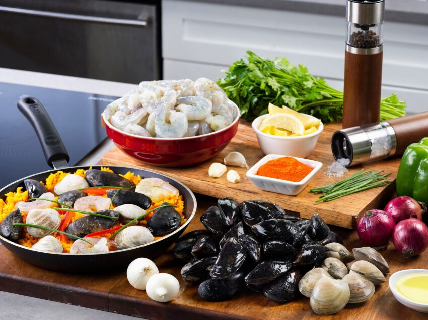 Bring NYC's Fulton Fish Market to your kitchen with their paella gift set, shown here. food