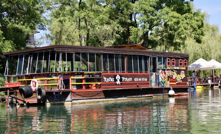River Pirates Cruising and Dining is one fun way to see the city on a sunset dinner cruise.