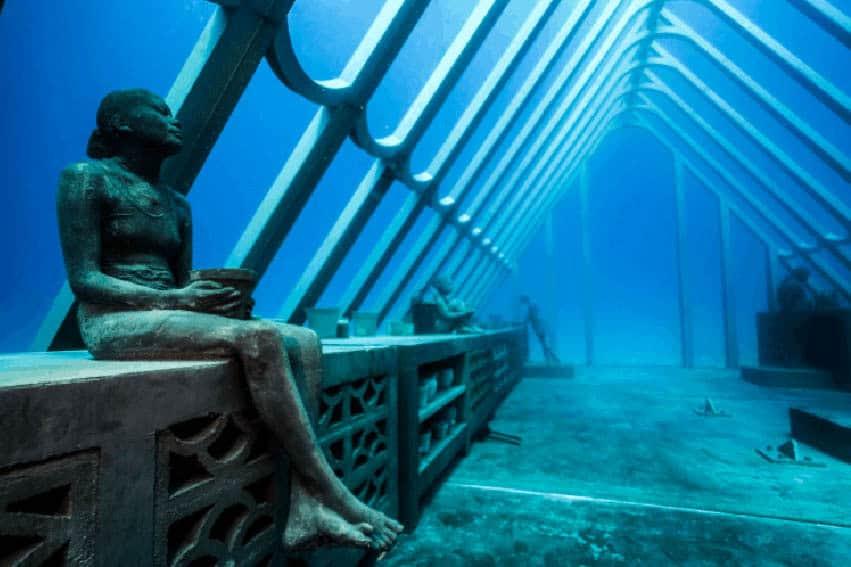 Amazing Undersea Sculptures: Museum of Underwater Art