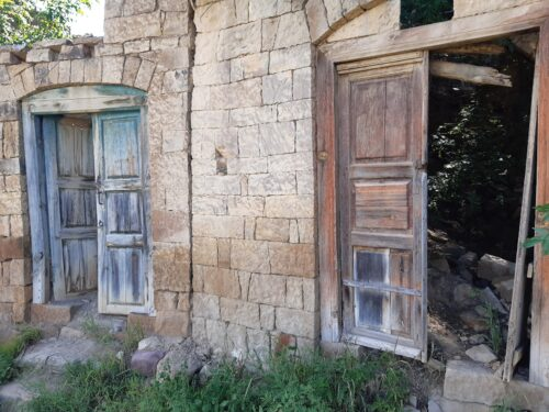 Abandoned houses in Gamsutl