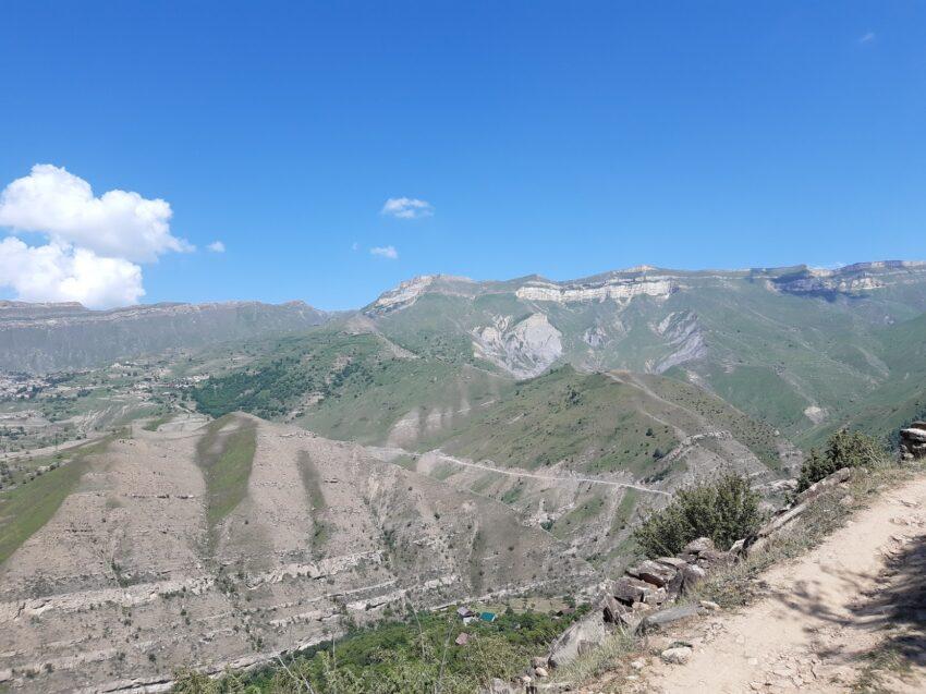 Trail to Gamsutl