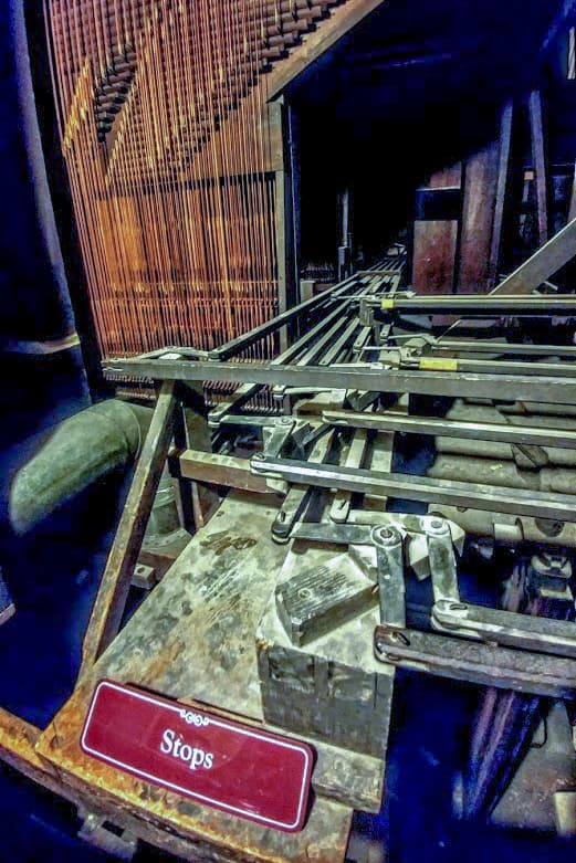 Off the beaten path, and nside the anatomy of the world-rnowned Erban Pipe Organ.