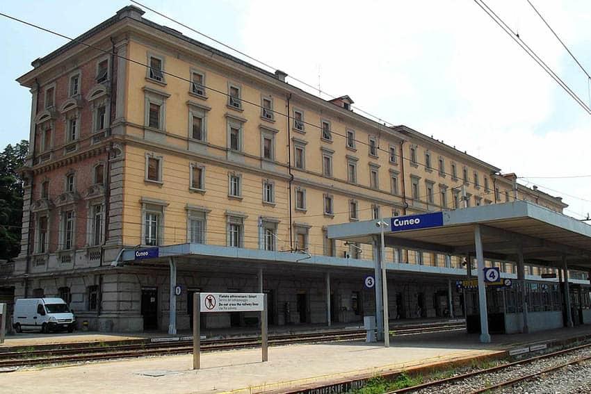 Cuneo stazione lato binari