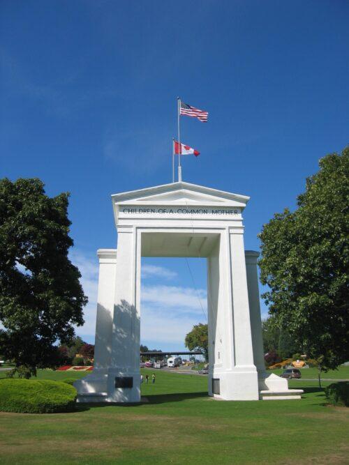 Peace Arch (Washington, USA; British Columbia, Canada