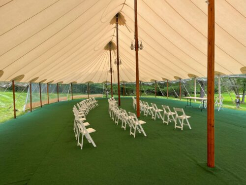 The Inn has facilities for weddings for up to 125 people at Great Diamond Island.