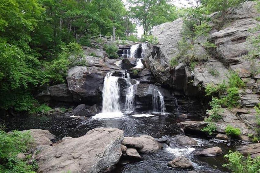 Connecticut: Nine Free Outdoor Travel Destinations