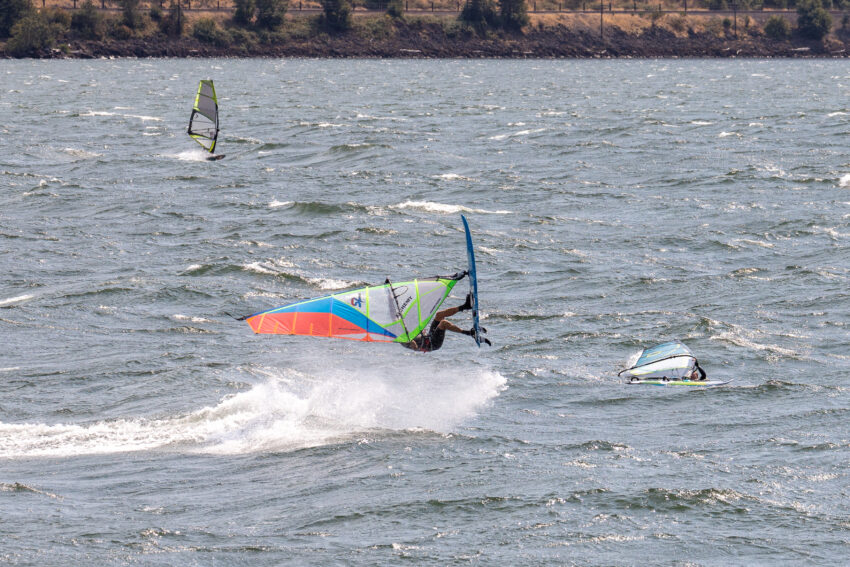 windsurfing the Columbia